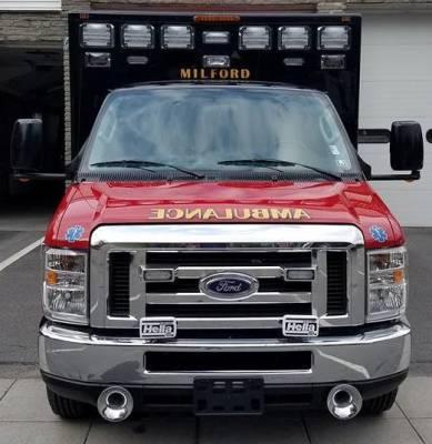 33 Ambulance - Front