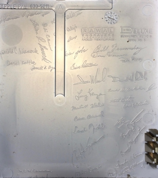 THE SIGNATURES - The first Macintoshes with the signatures of Steve Jobs and his team engraved in the inside