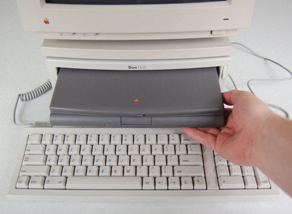 Macintosh DuoDock/Plus/II