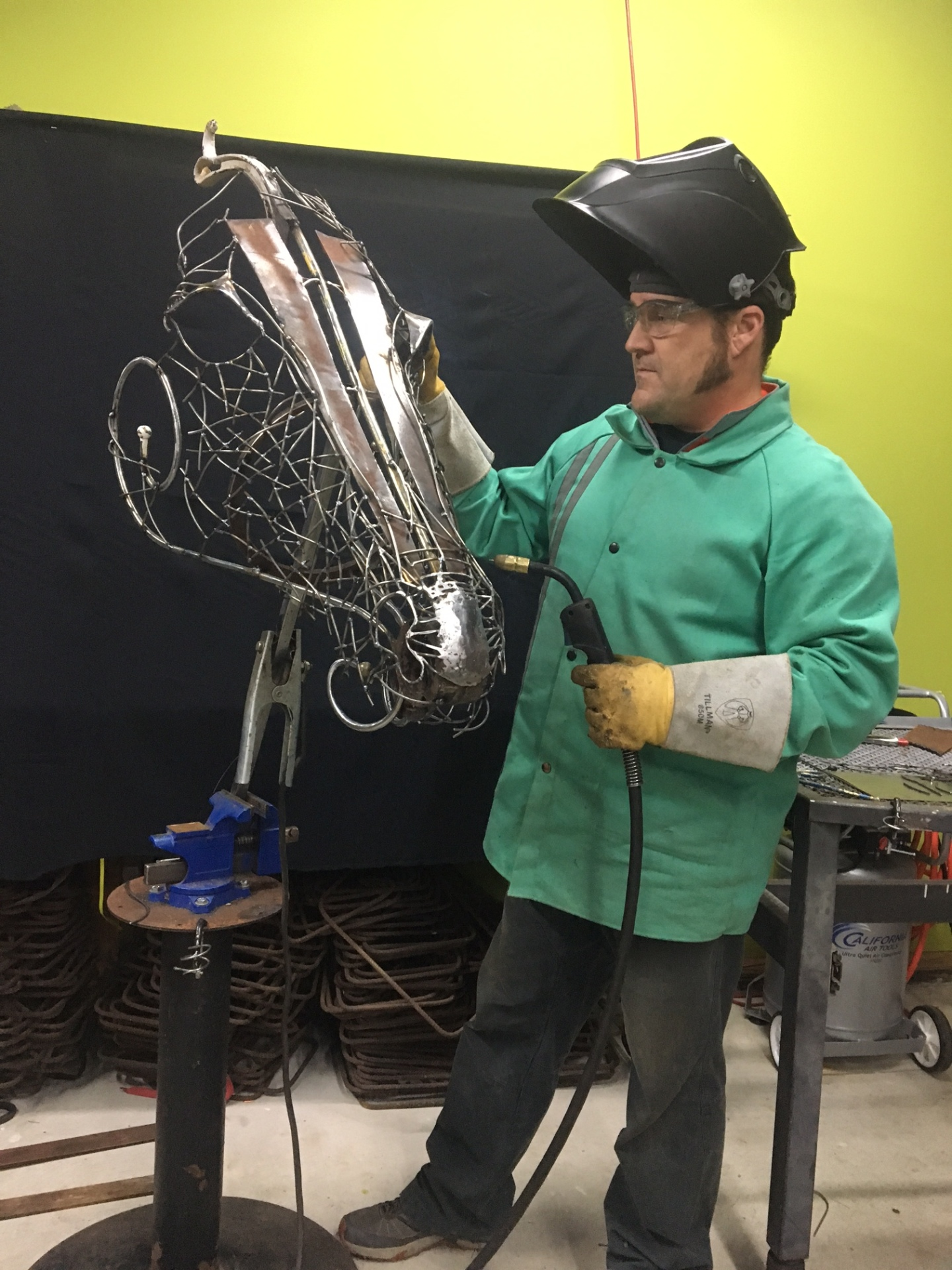 Mig welding, sculpture of a horse