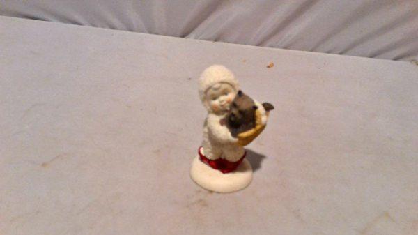 Snowbabies figurine $4.00