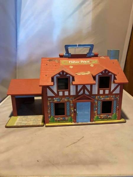Vintage fisher price house/cottage $11.00