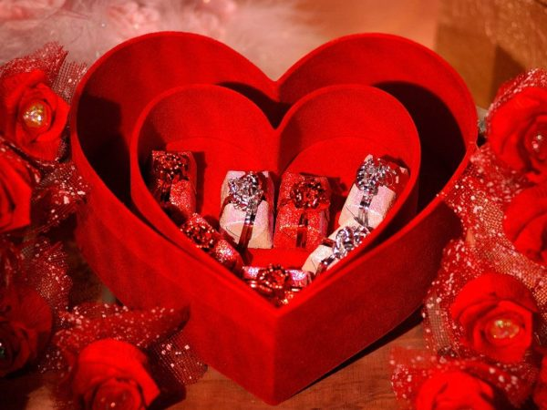 Valentine's Day Gifts to Bangalore can make the special person feel all the more special