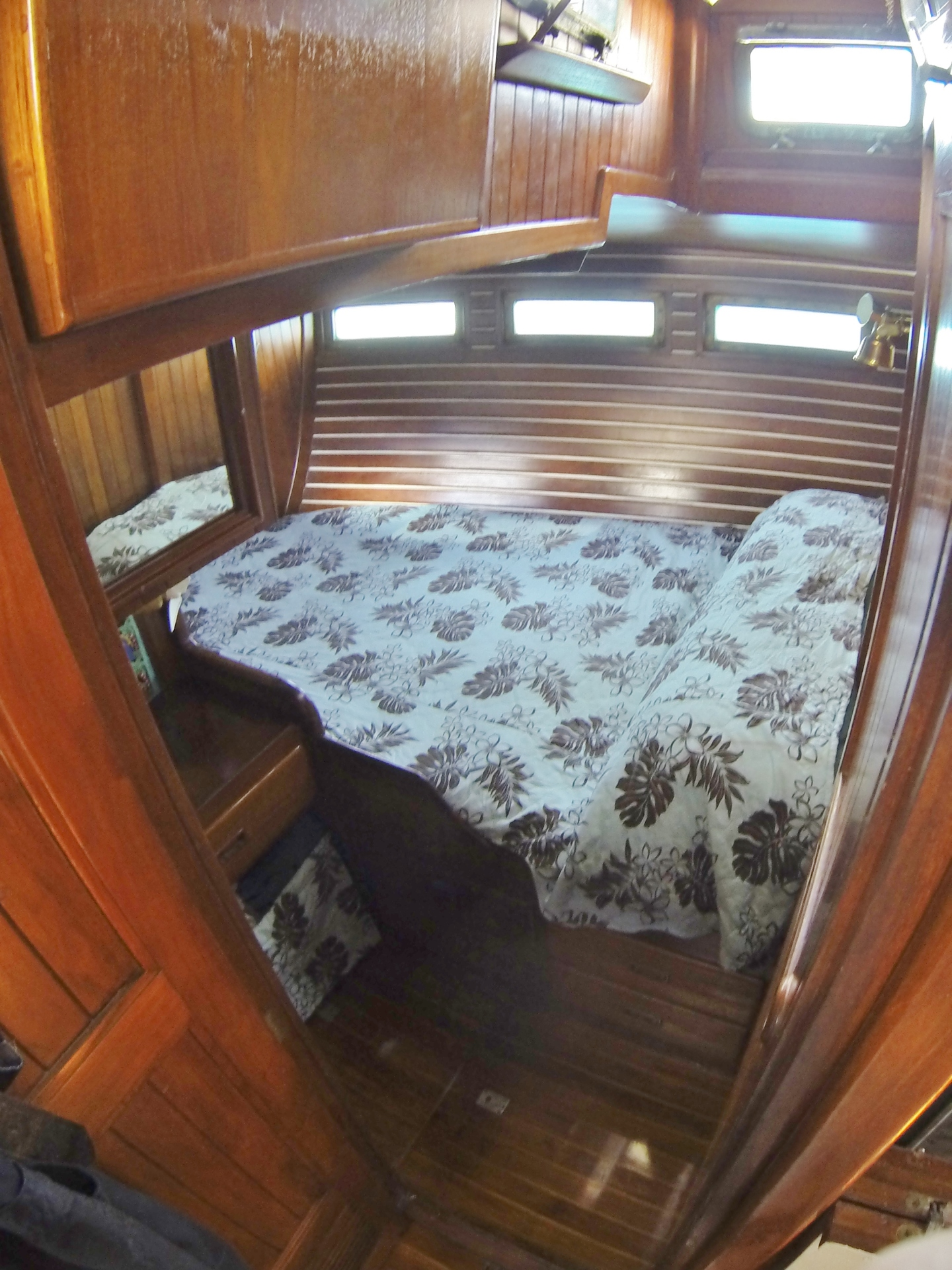Aft double cabin