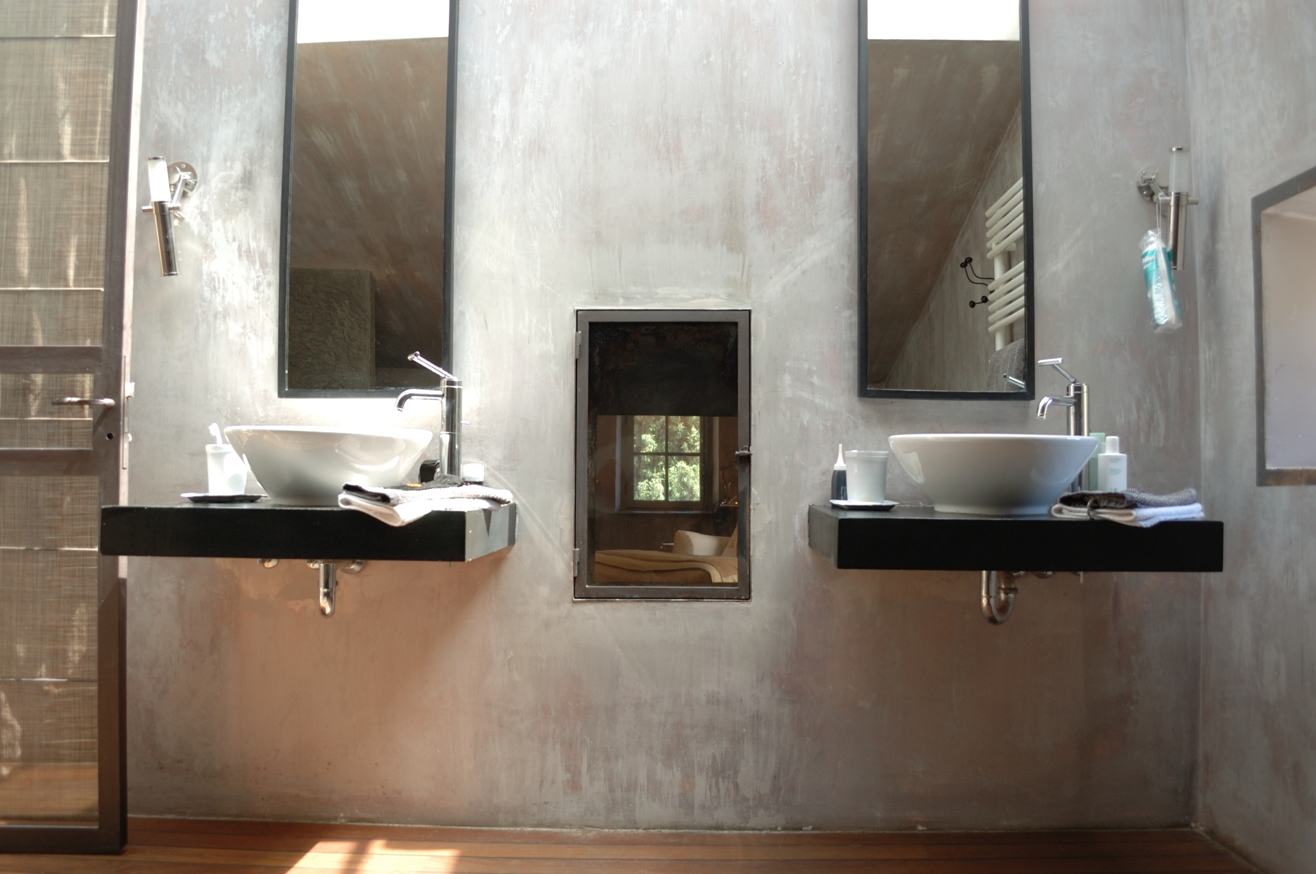 Double sink- Bathroom