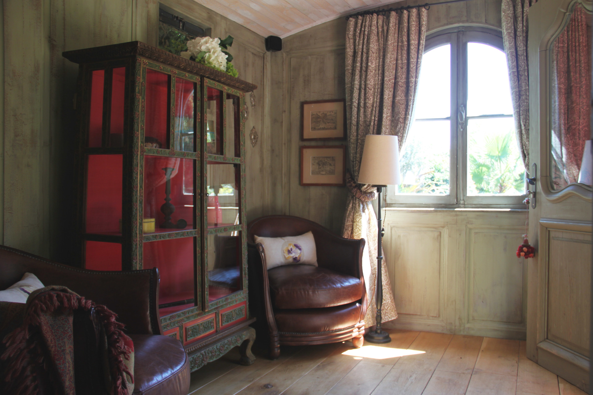 Lounge of the Gipsy suite