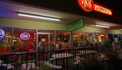 Vic's Pizzeria