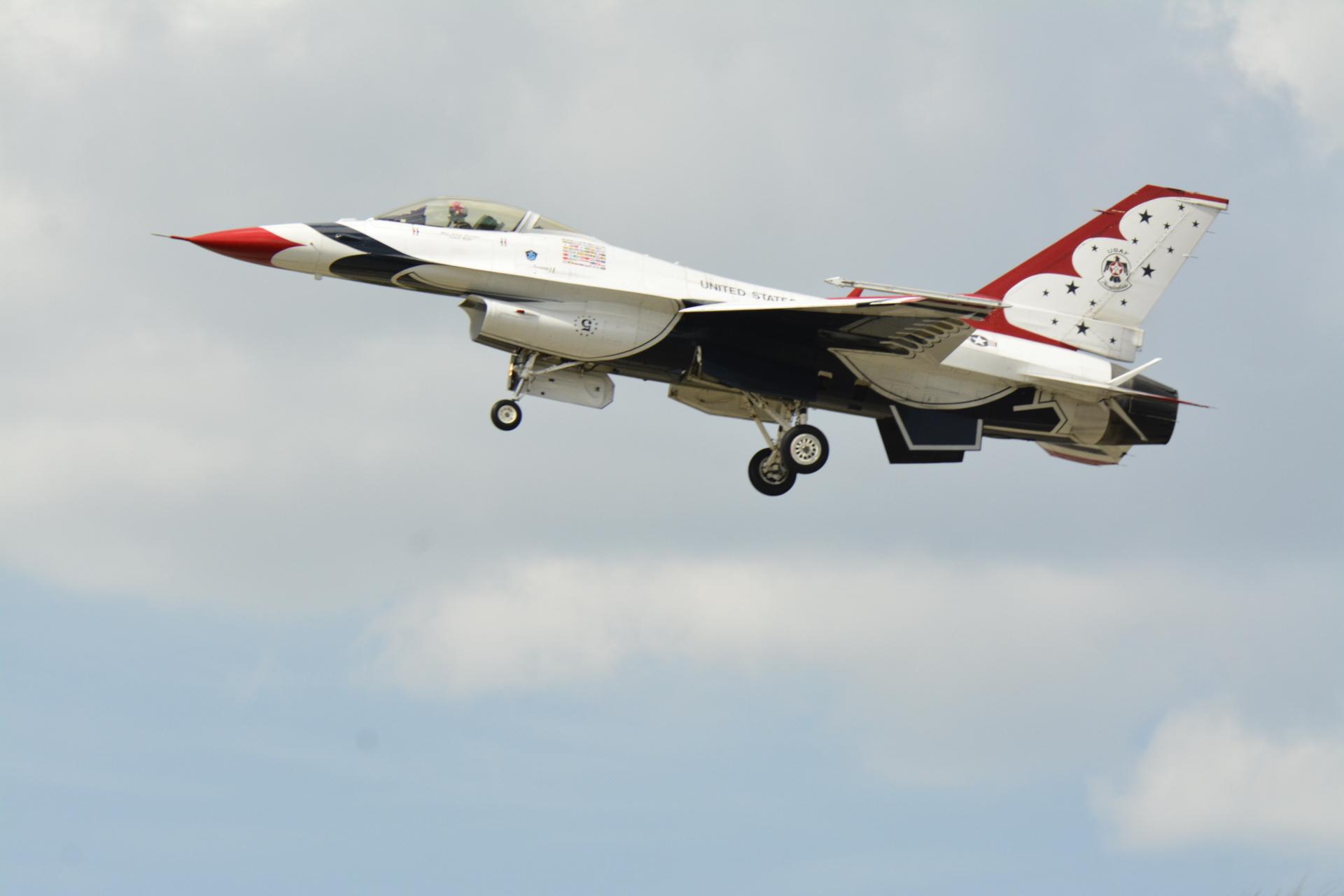 Air Force F 18 Thunderbird