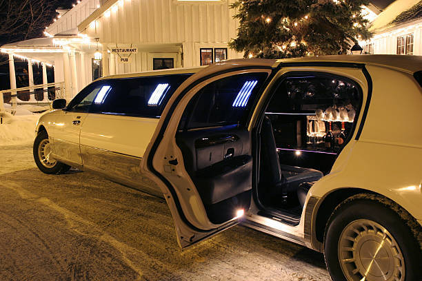 Travel In Style for Your Next Big Event by Hiring Limo Service