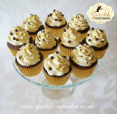 Only real pure creamy butter is used along with my secret recipe for 'Sparkle Cupcakes Signature rich and dreamy buttercream.'   There are no excessively sweet, grainy  toppings here only luxuriously light and fluffy satin swirls. (along with expert piping skills of course!)  sparkle cupcakes, cakes, leeds, cake makers, birthday cakes,