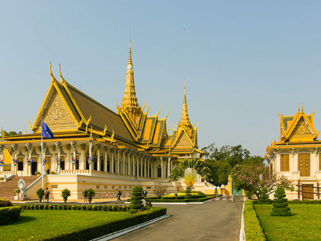 Royal-Palace-01-453x340.jpg