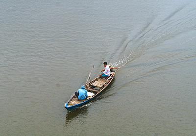 Tonle-Sap-Lake-01-400x278.jpg