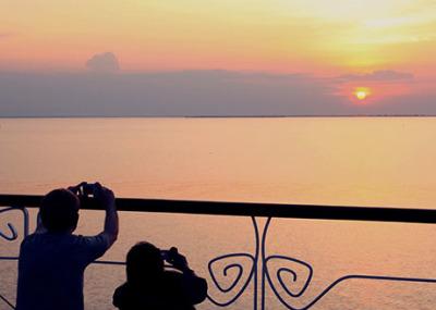 Jayavarman Cruise Sunset