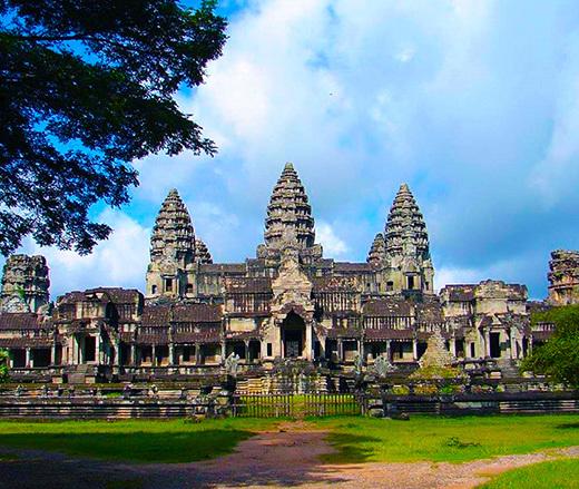 Angkor-Wat-Temple-01-520x439.jpg