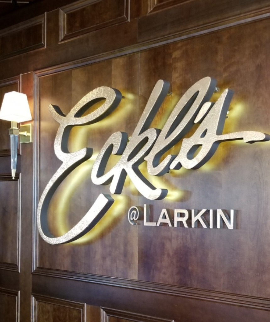 Eckl's @ Larkin