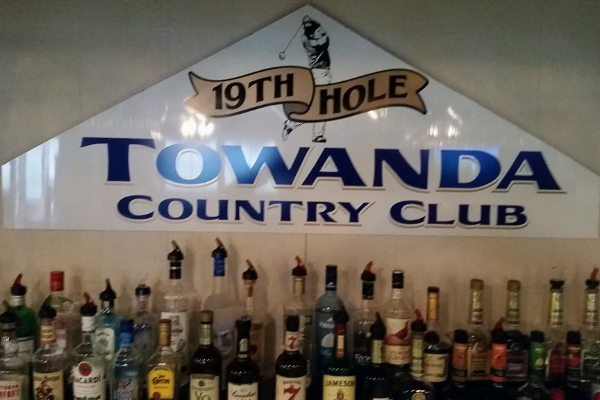 19th Hole Restaurant & Bar