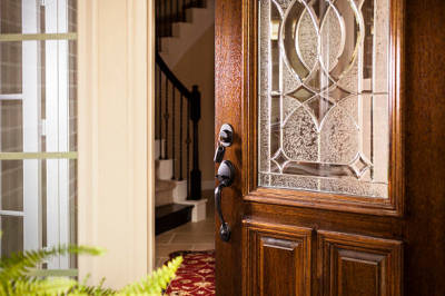 How to Spot the Best Door Service for Your Needs