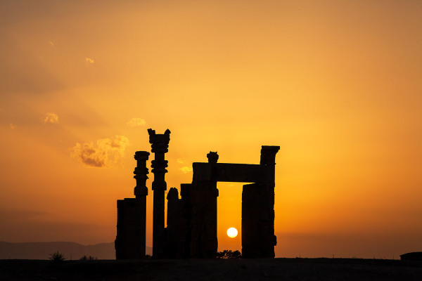 Hamed Tabein    I   Gate of all Nation – Takht e Jamsheed    I    Photograph    I    12 x 16    I     $250