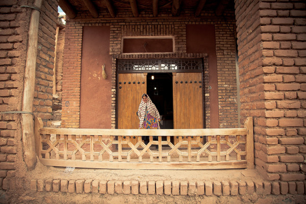 Hamed Tabein    I   Abyaneh Village    I    Photograph    I    12 x 16    I     $250