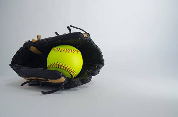 Some Quick and Simple Tips for Selecting Trading Pins and Softball