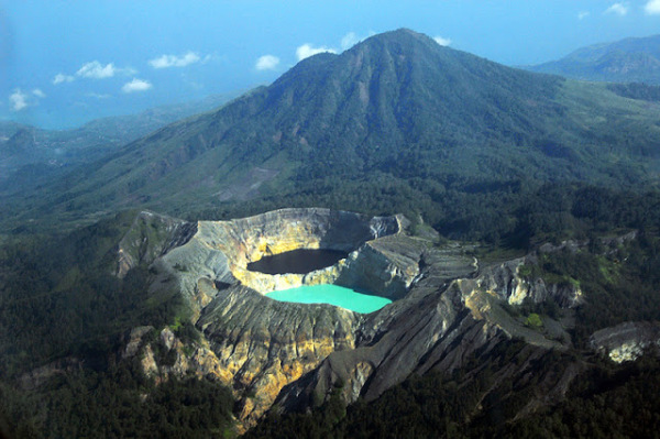 Mountain Kelimutu