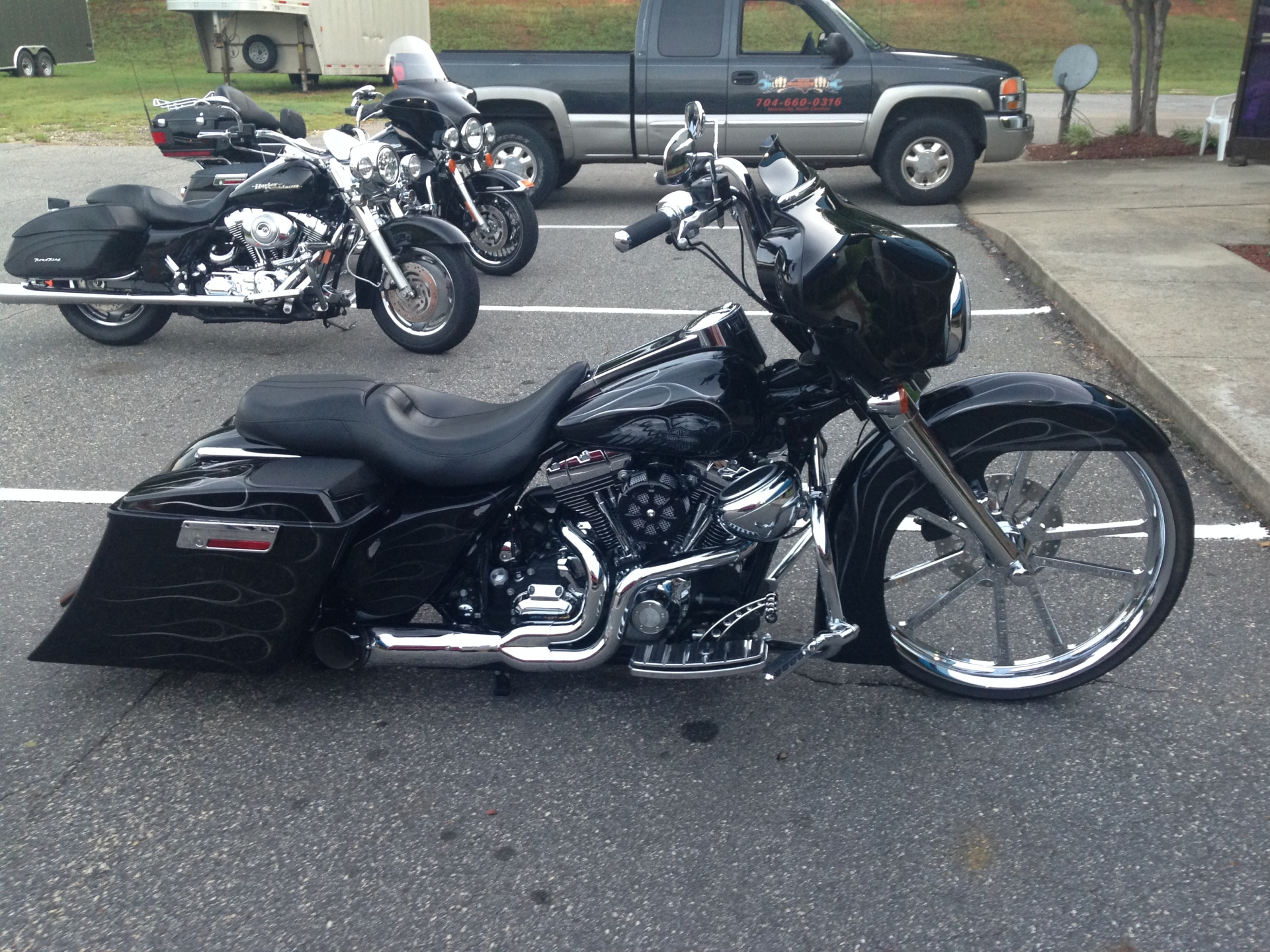 """2007 Electraglide with a 26"""" wheel and full air ride"""