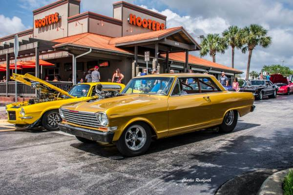 Hooters & Hot Rods