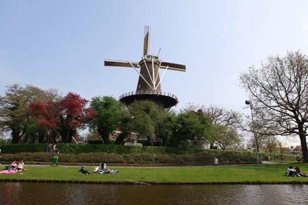 Molenmuseum De Valk (Windmill Museum)