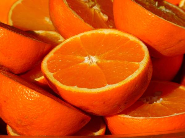 Oranges for labour