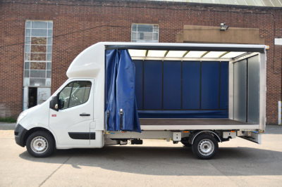 RENAULT MASTER 2.3 130 TWIN CURTAIN LUTON AC AND SAT NAV
