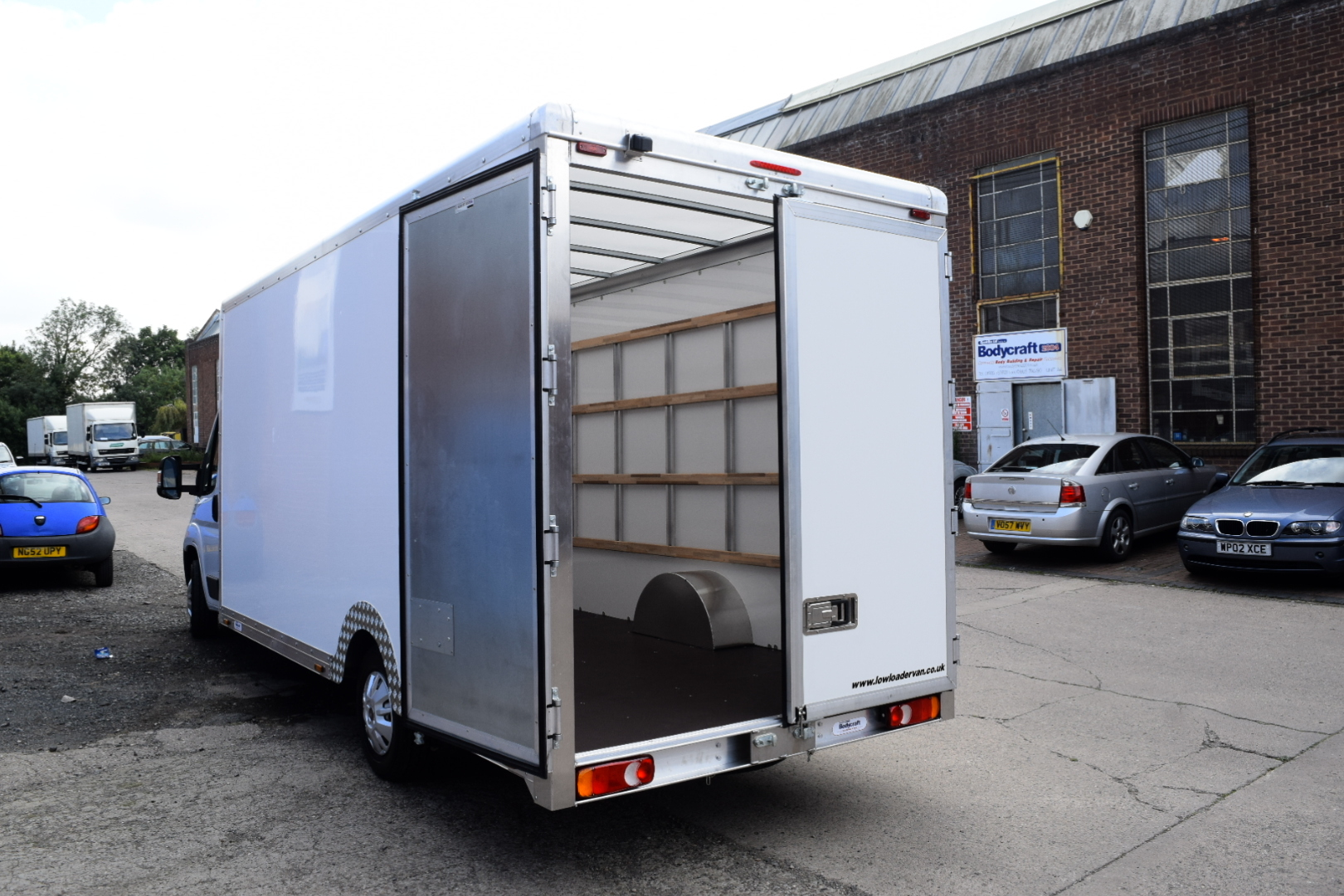 Extended Chassis XXXLWB High Roof Big Volume Loloader Luton