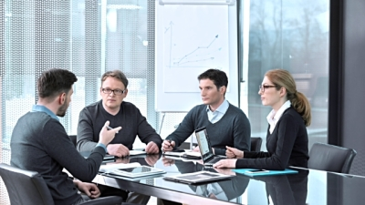 Factors to Consider when Hiring a Business Advisor
