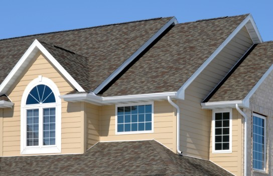 Factors to Put Into Consideration When Choosing the Best Roofing Contractor