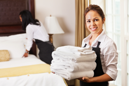Why You Should Consider Hiring Housekeeping Services