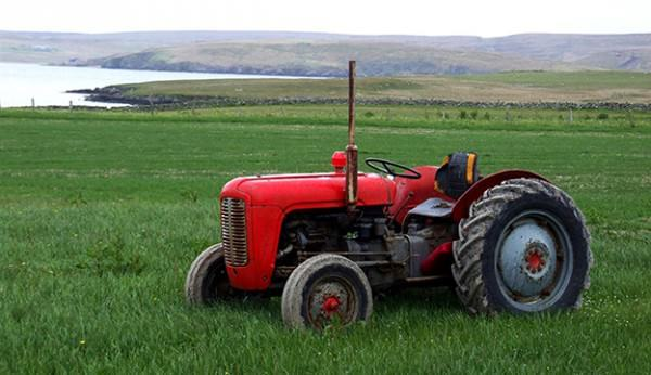 When Renting Out Your Equipment, Consider Using Farm Equipment Rental Tracking Software