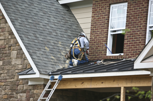 What to Consider Before Hiring Commercial Roofing Services