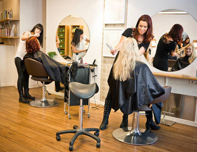 Advantages of Visiting a High Quality Hair Salon