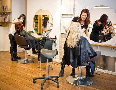 Advantages of Visiting a High Quality Hair Salon