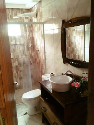 Banheiro quarto para 5 pessoas estilo Chale