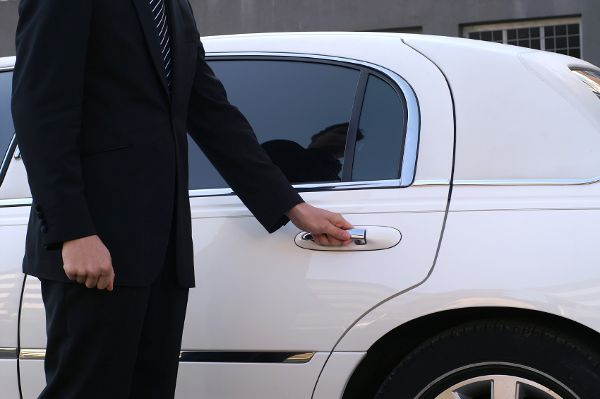 Guidelines to Choose the Right Limousine Company