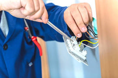 Elements to Look for When Hiring a Vancouver Electrician