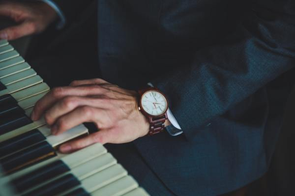 Best Tips to Select the Best Watch For a Man
