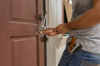 Tips to choose the Best commercial Locksmith