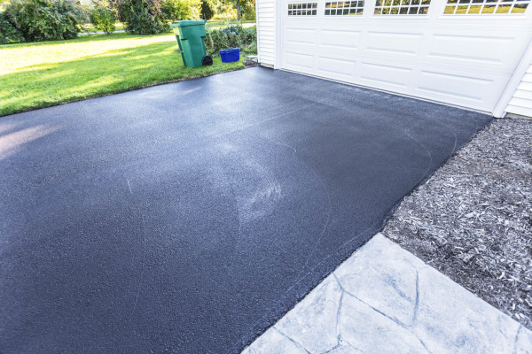 Things You should Put into Consideration When resurfacing Your Garage or Driveway with Concrete