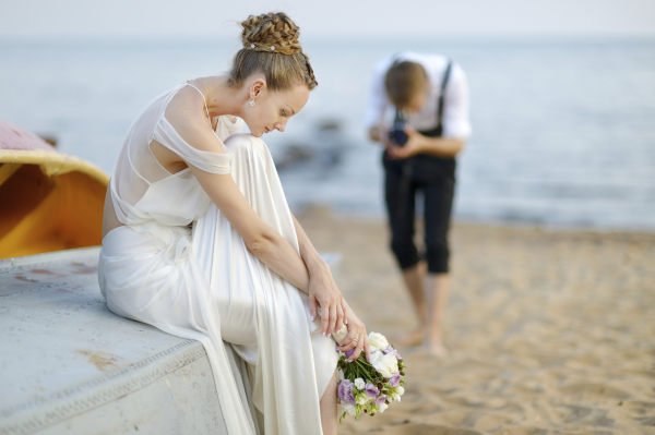 Importance of Using Colored Sand as a Unifying Factor in a Wedding Ceremony