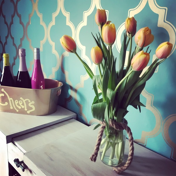 Wallpaper and Tulips