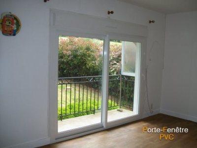 Pose de portes fenêtres PVC
