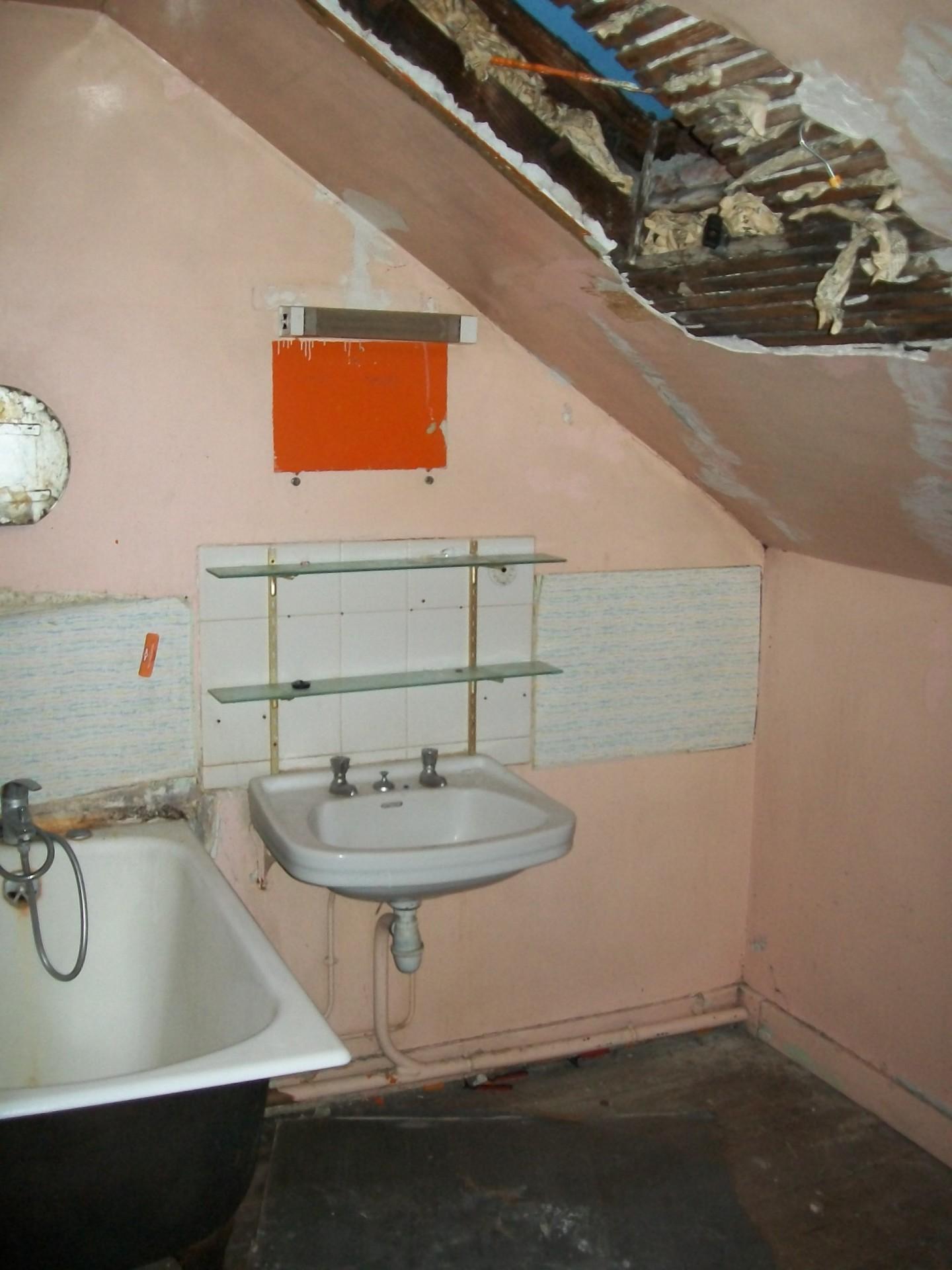 Réfection de salle de bains avant travaux