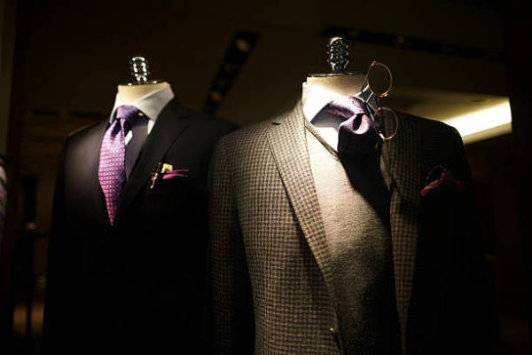 The Great Benefits to Customized Men's Clothing