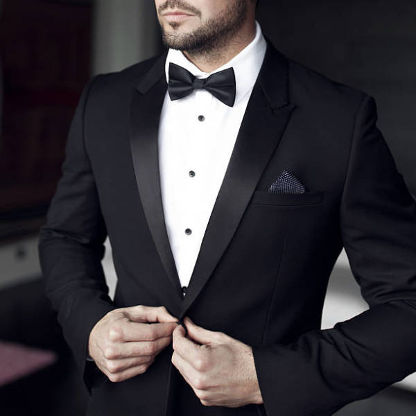 The Reasons for Buying Custom Men's Clothing